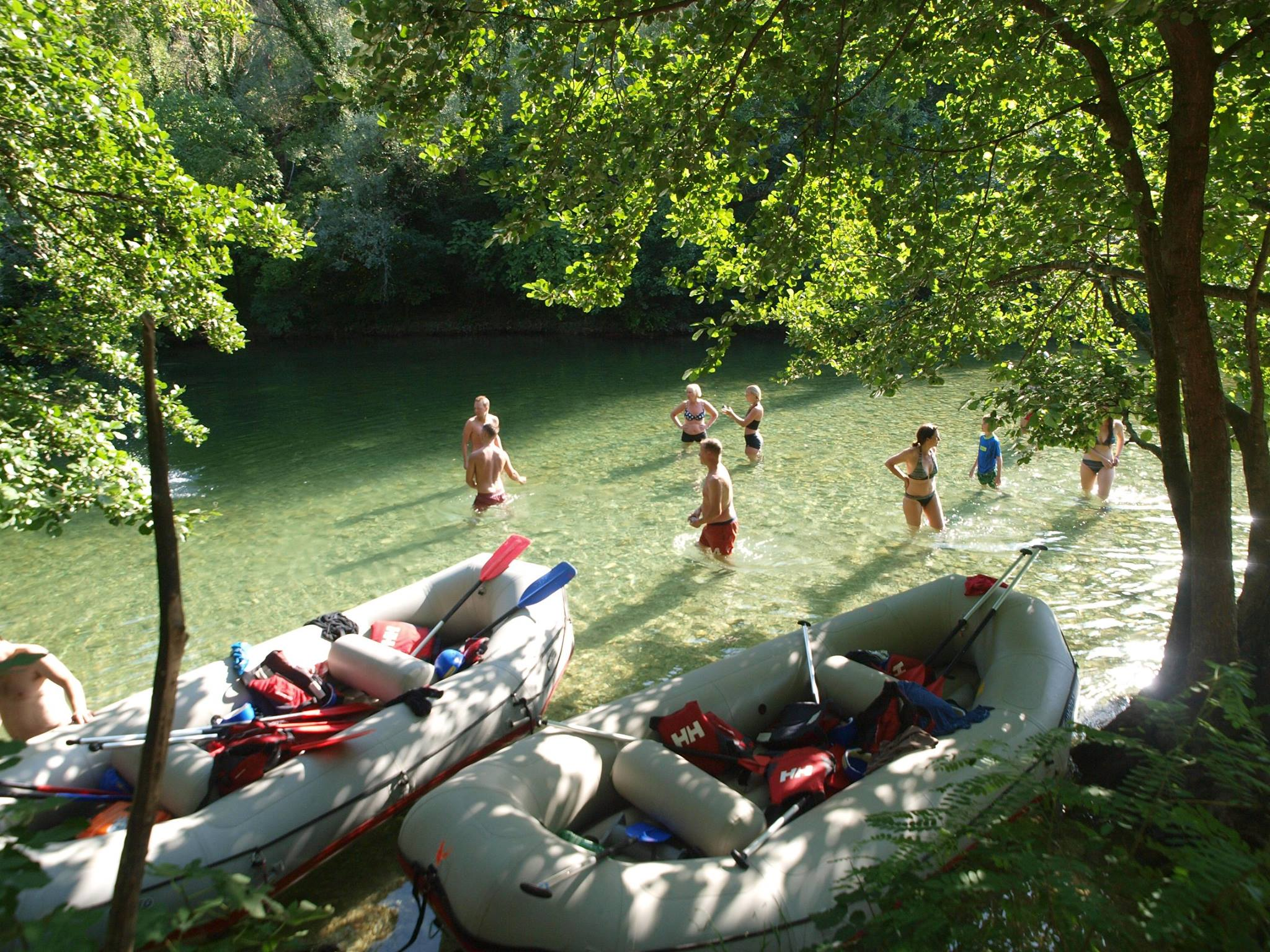 Split rafting for foodies tour